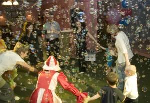 Аренда генератора мыльных пузырей для детского праздника в Москве: 745-15-16